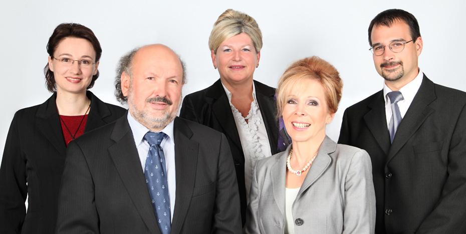 Gruppenbild der Rechtsanwälte der Anwaltskanzlei Drach & Drach